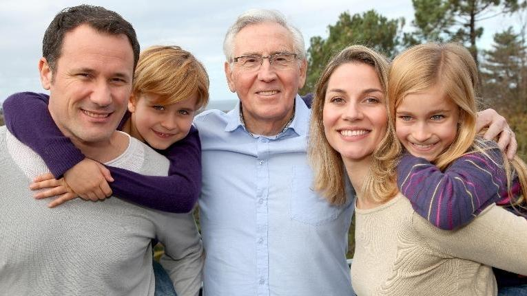 group photos of multi-generational family | Cosmetic Dentistry in Poway CA Dentist
